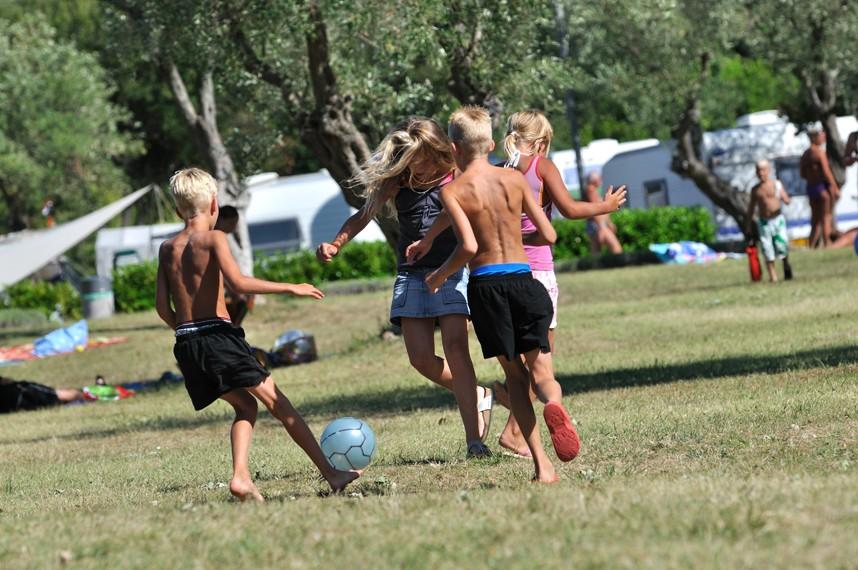 Children Naturisme Photos