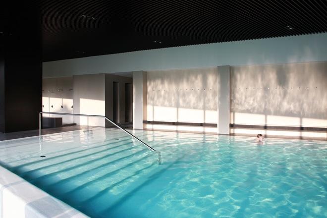 hotel_lone_pool_2